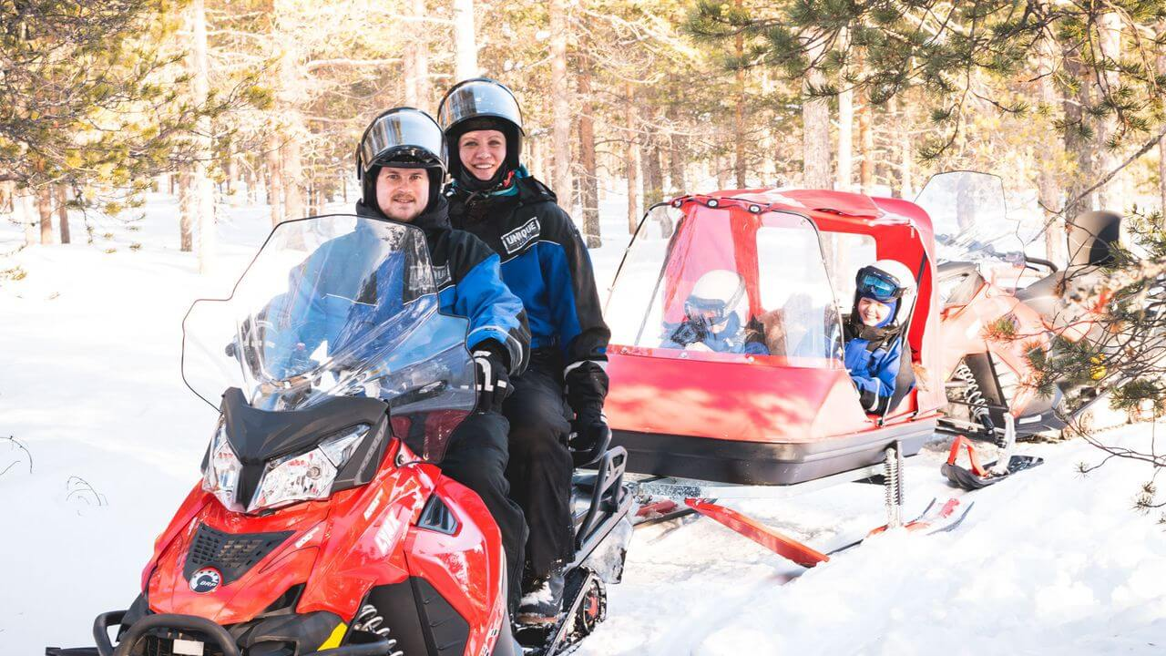 This snowmobile safari is specialized for families with little children.
