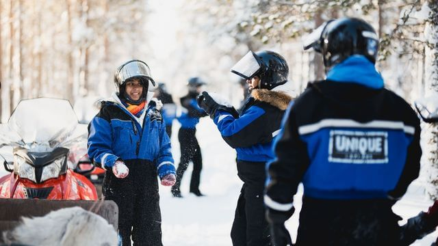 This tour offers the opportunity to try out the most popular activities in Lapland during the same program: snowmobile safari, and both reindeer and husky rides.