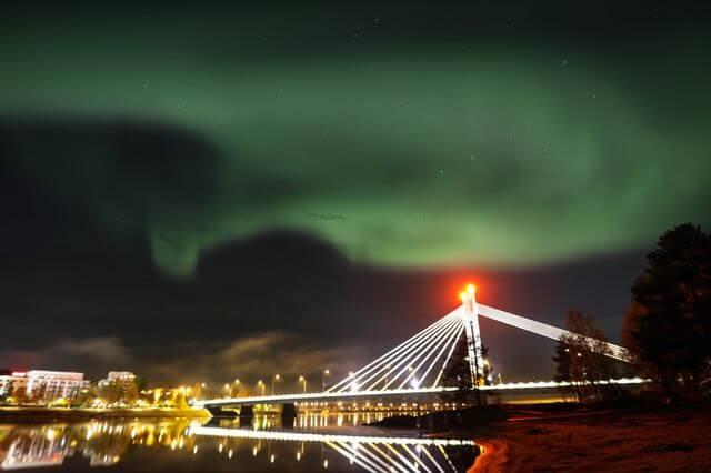 Rovaniemi Lumberjacks bridge and northern lights