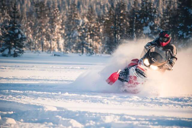 Snowmobile safari in Rovaniemi