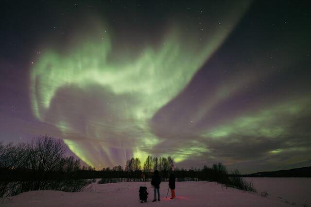Lucky aurora hunting in Rovaniemi area, December 2020