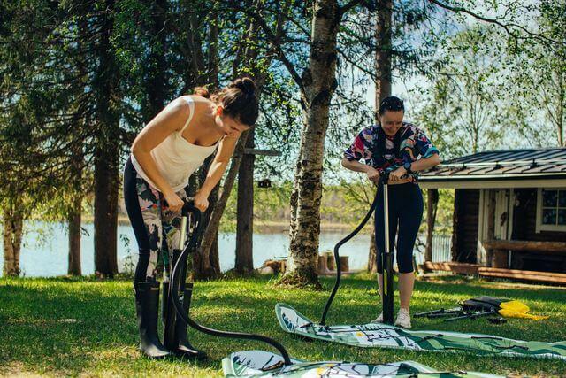 Sup Board Rental in Rovaniemi, pumping up
