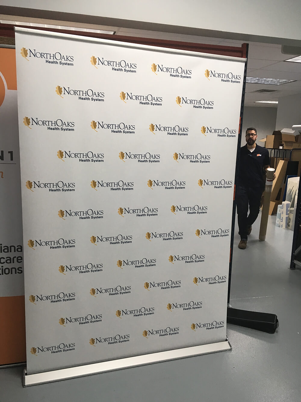 EXHIBITOR RESOURCES - Northoaks large retractable banner