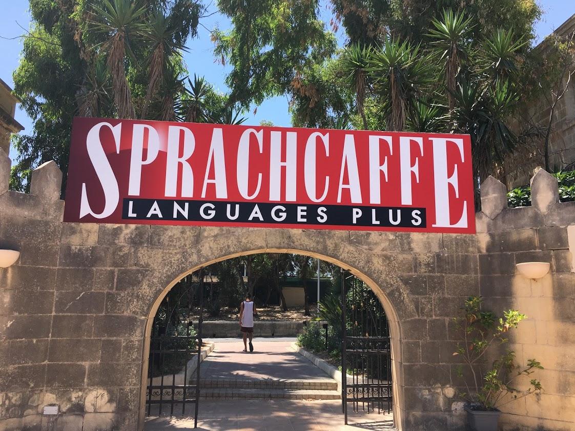 Vstupní brána Sprachcaffe Malta