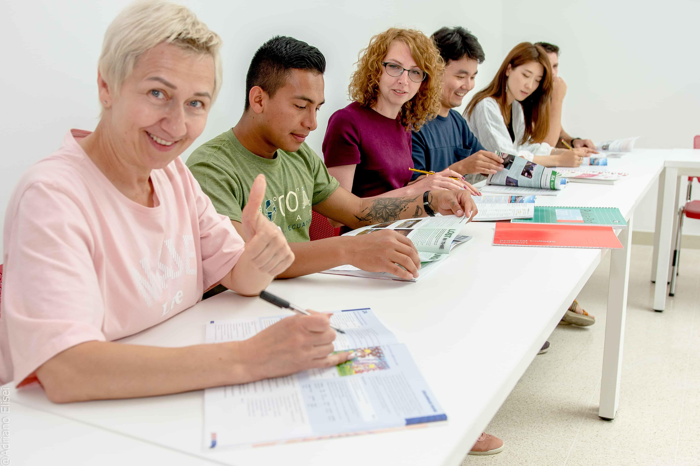 Studenti při výuce v jazykové škole Atlas Malta