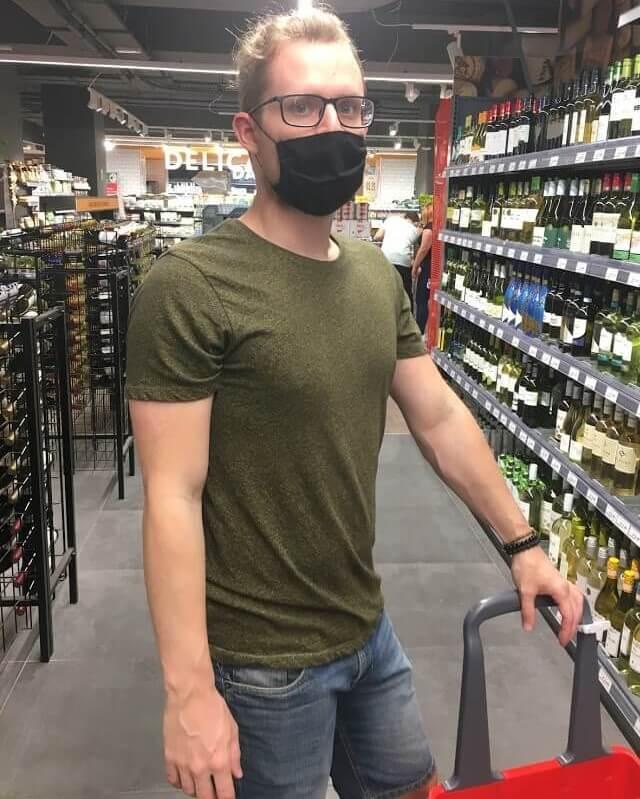 Nákupy v supermarketu na Maltě za dob koronaviru