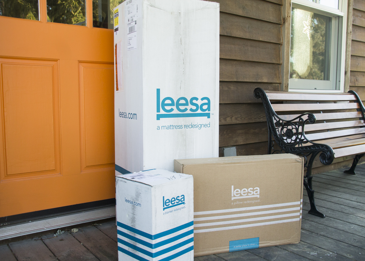 Our Leesa mattress, blank and pillow unboxing experience.