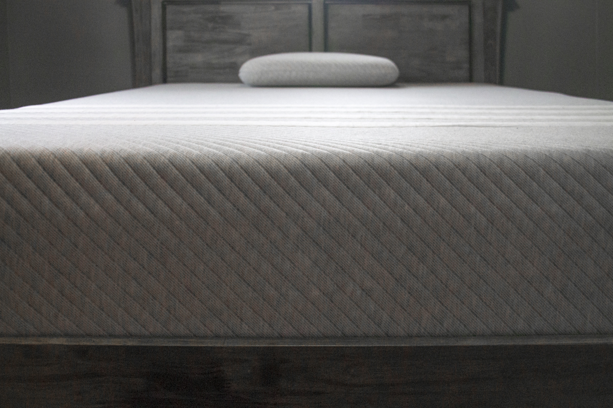 End on view of the Leesa Mattress
