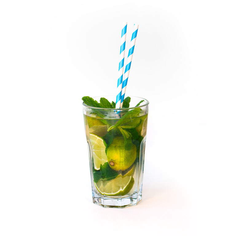 Rezept für selbst gemachten Cocktail mit Rum und MUNDART Sirup