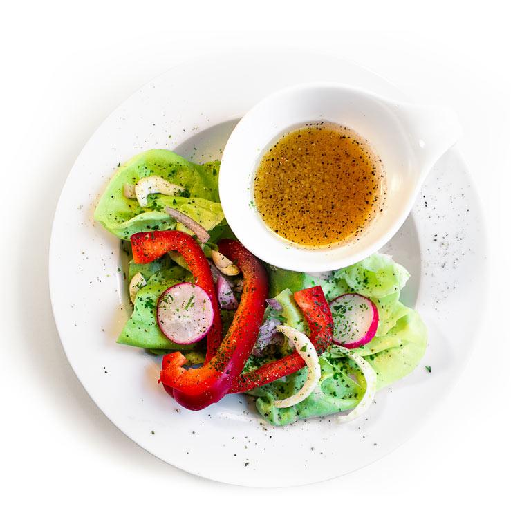 Rezept für selbst gemachtes Salatdressing mit MUNDART Sirup