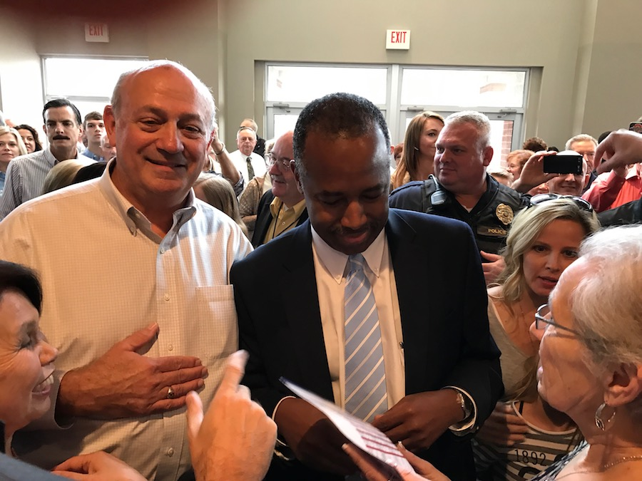 Dr. Ben Carson with the Voter Guide, Ohio