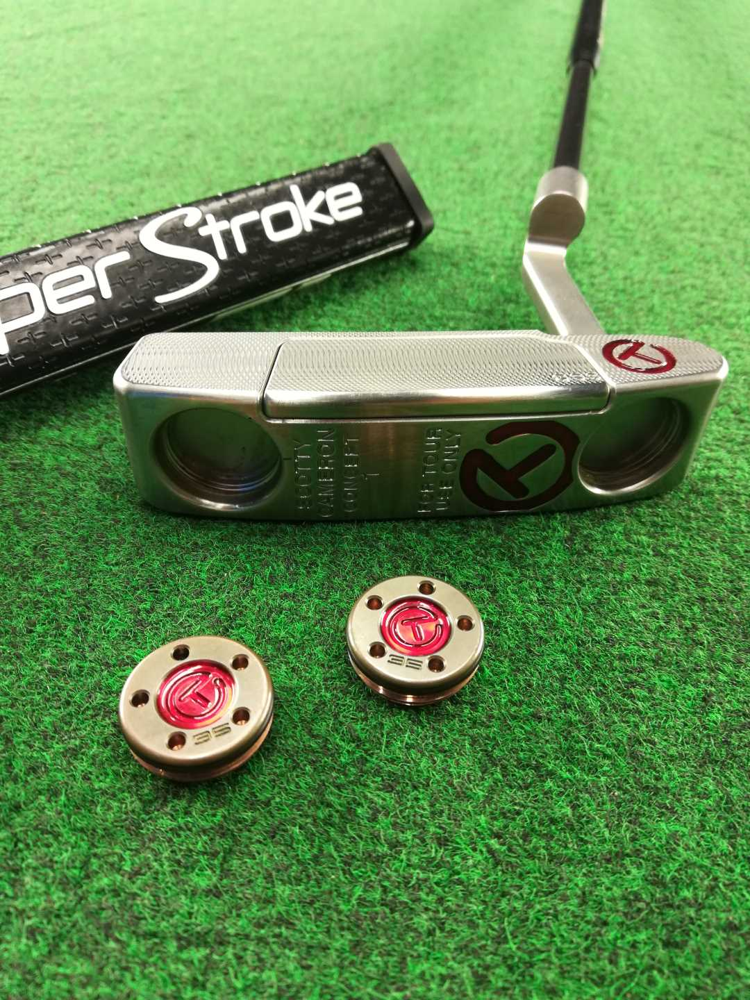 Custom Scotty Cameron Circle T, Stability Shaft, Flatso 1.0 and Brass Weights.