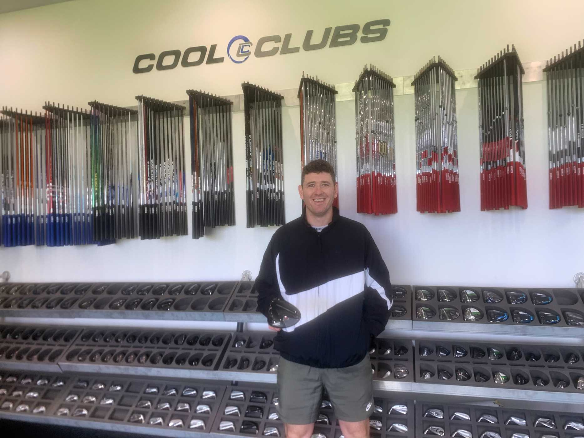 Mick picking up his new Titleist TSi2 Driver