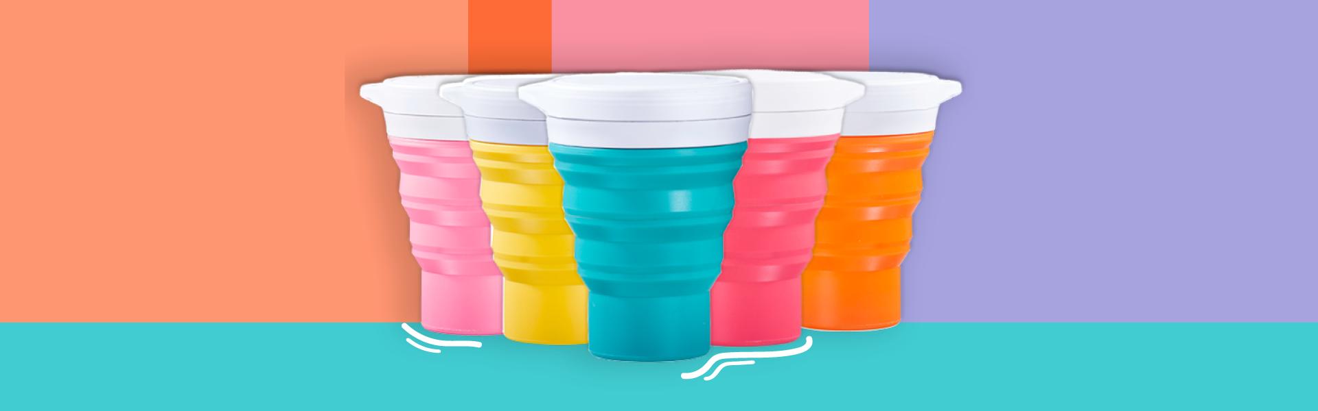 copos menos 1 lixo sobre fundo colorido