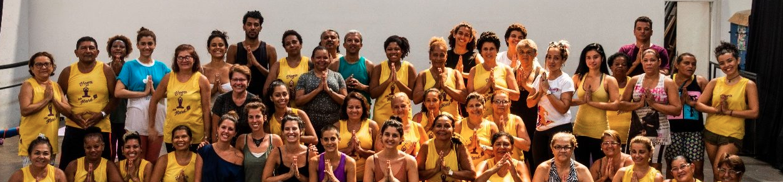 Menos 1 Lixo no Yoga na Maré
