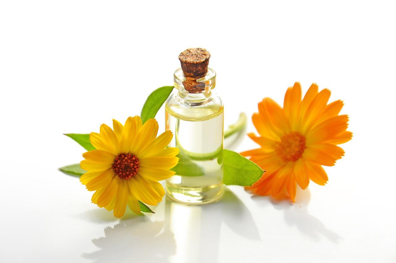 Aura Cacia Essential Oil: glass oil bottle