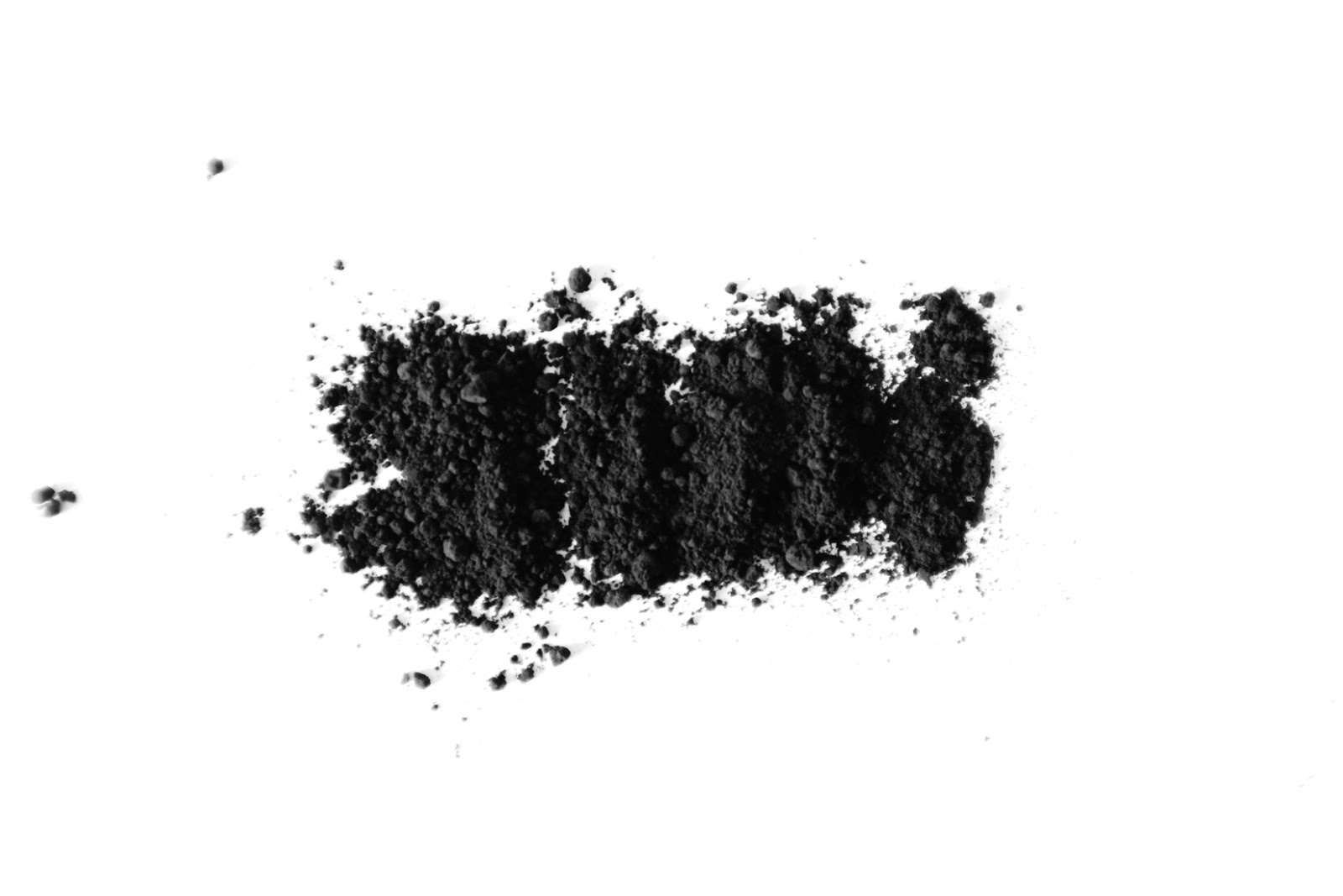 Activated Charcoal Toothpaste: black powder