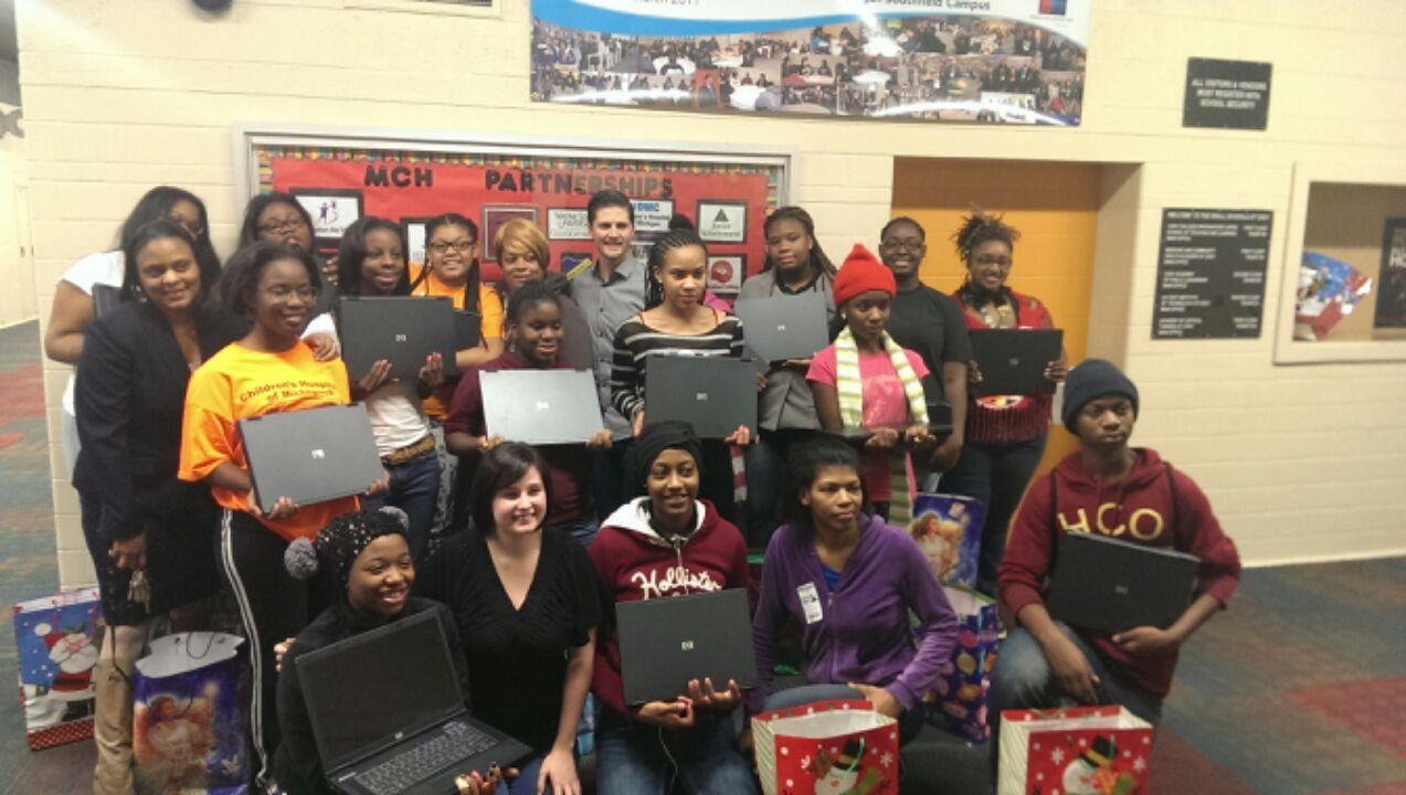 Detroit Donation to 16 Deserving Students