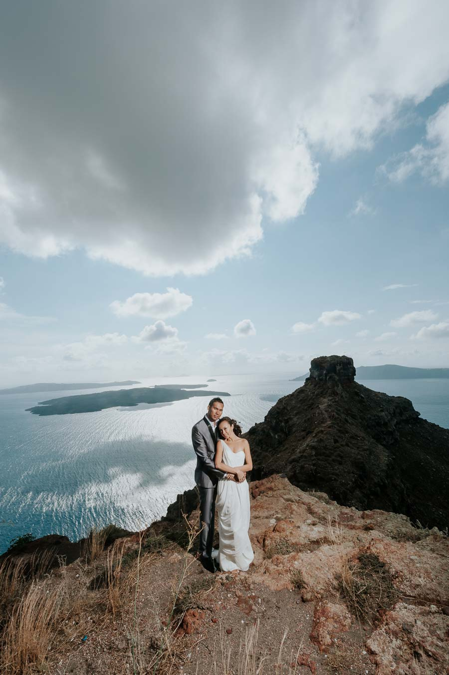 δημιουργικη pre wedding φωτογραφιση στη σαντορινη
