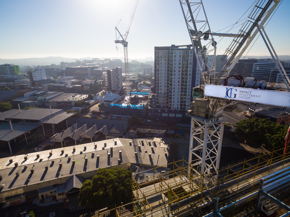 Construction Photography, is difficult, but using the drones owned by Rapax Construction Photography, we were able to take this unique view of the Brisbane Skyline and Jones Lang Lasalle (JLL)