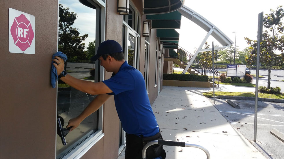 Storefront Window Cleaning