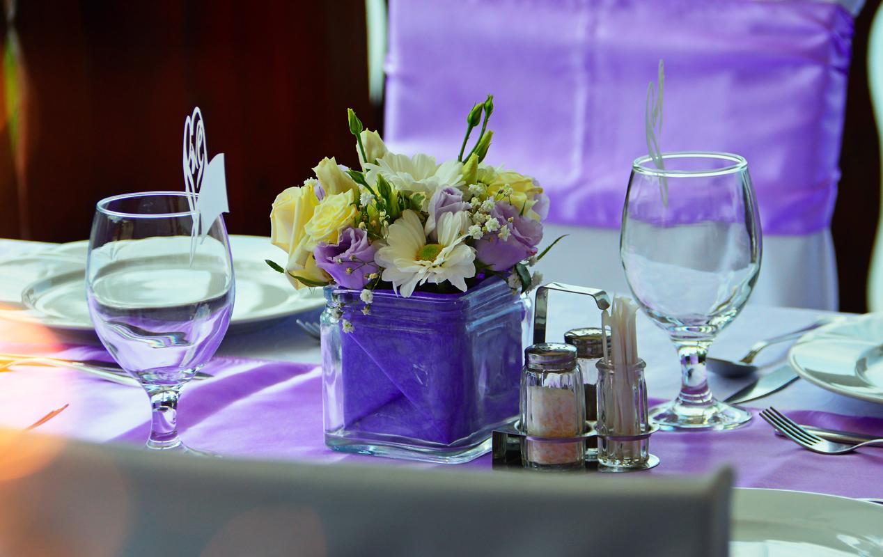 Wedding napkins and table linen