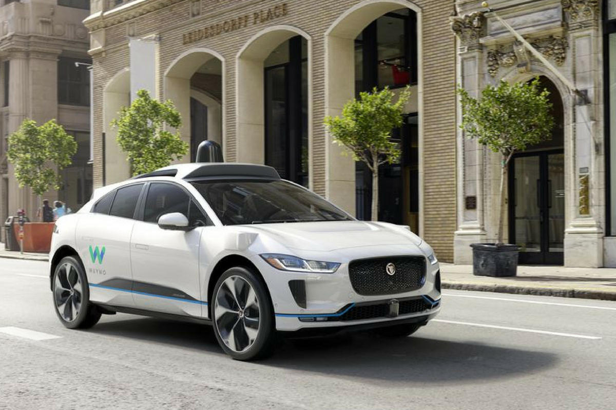 Seven Problems Self-Driving Cars Need to Overcome | Smith's