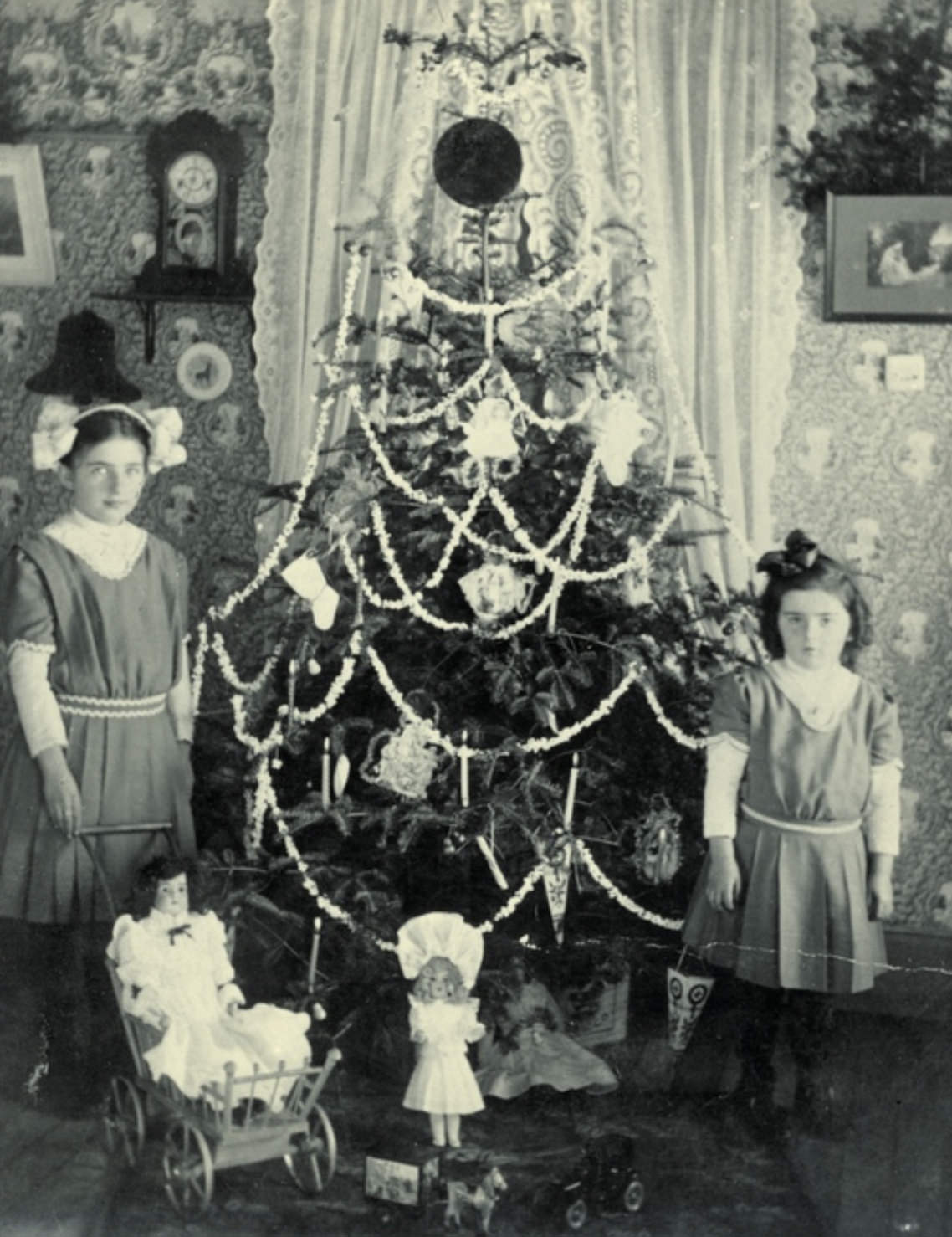 Real candles on old Christmas tree