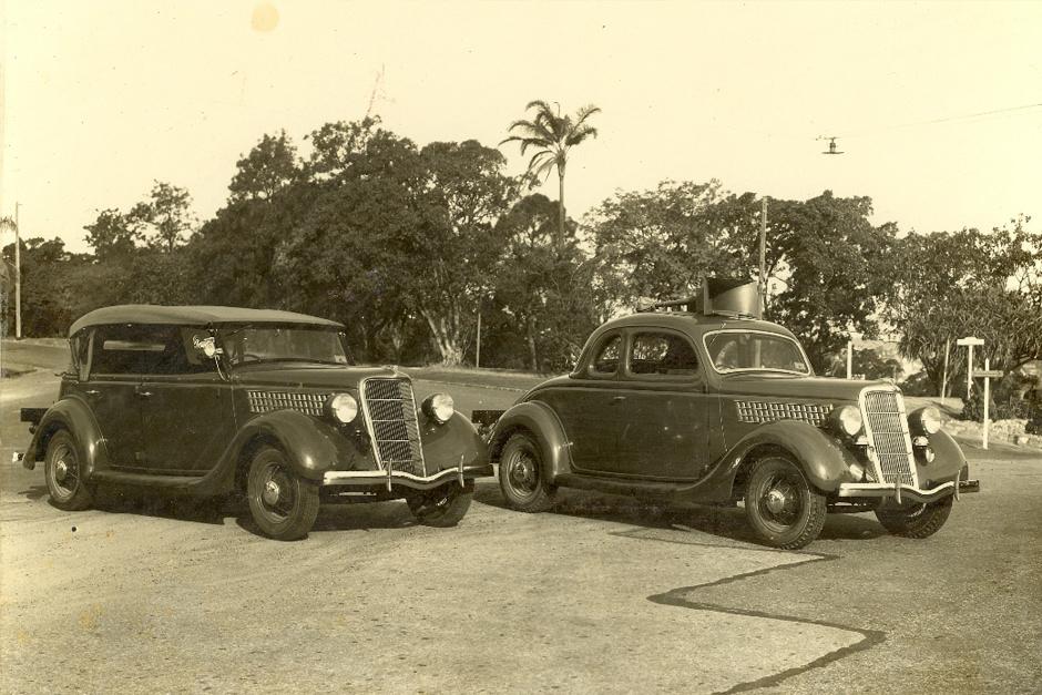 Vintage Ford V8 police cars in Australia