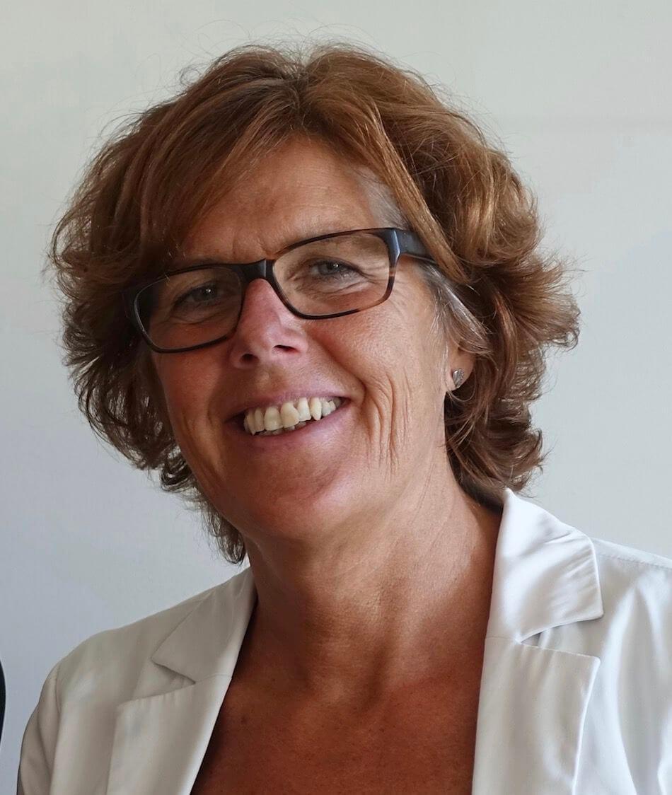 Portret van rouwpsycholoog Leoniek van der Maarel