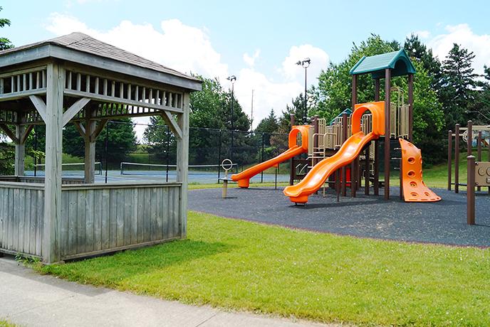 Mono College Park Playground