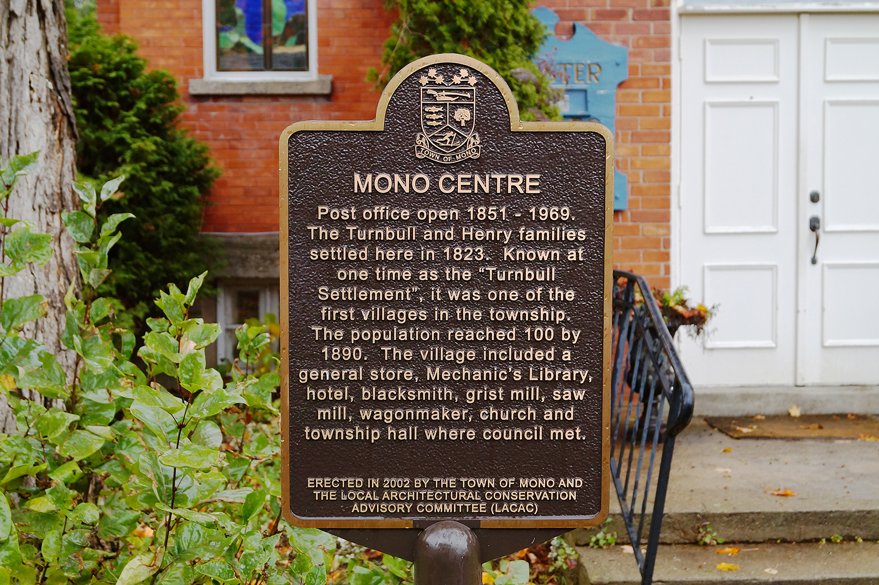 Mono Centre Heritage Community Plaque