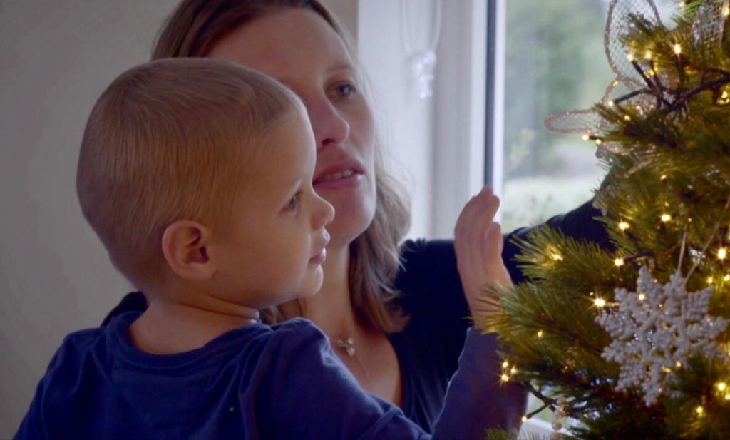 'We hebben samen de kerstboom opgetuigd, koffie gezet en oliebollen gegeten'