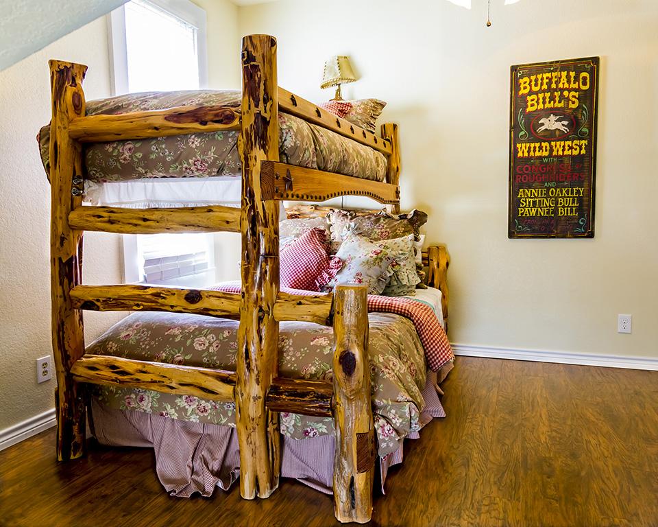 queen/twin bunk bed