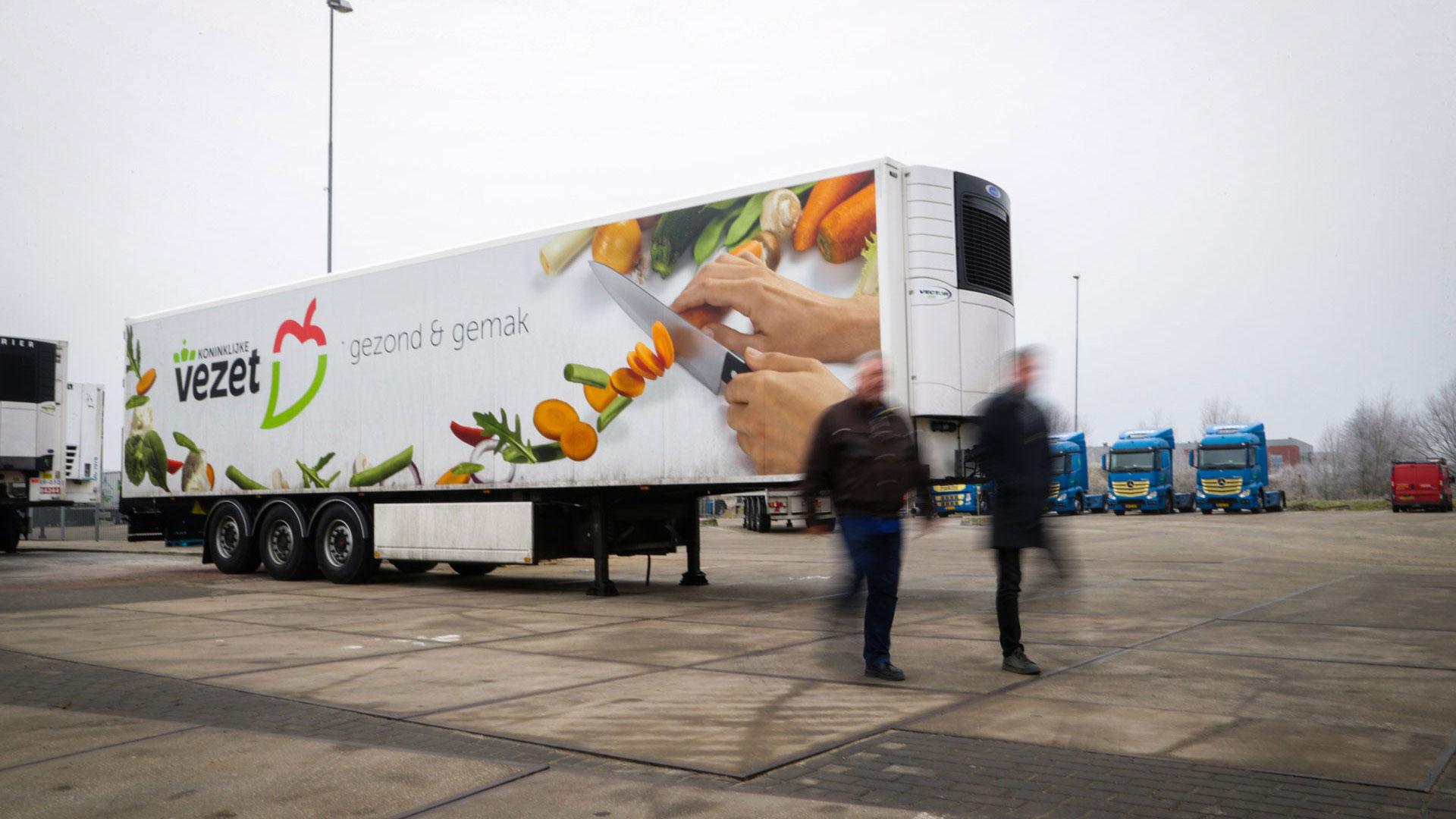 Plak en maak reclame met je vrachtwagen