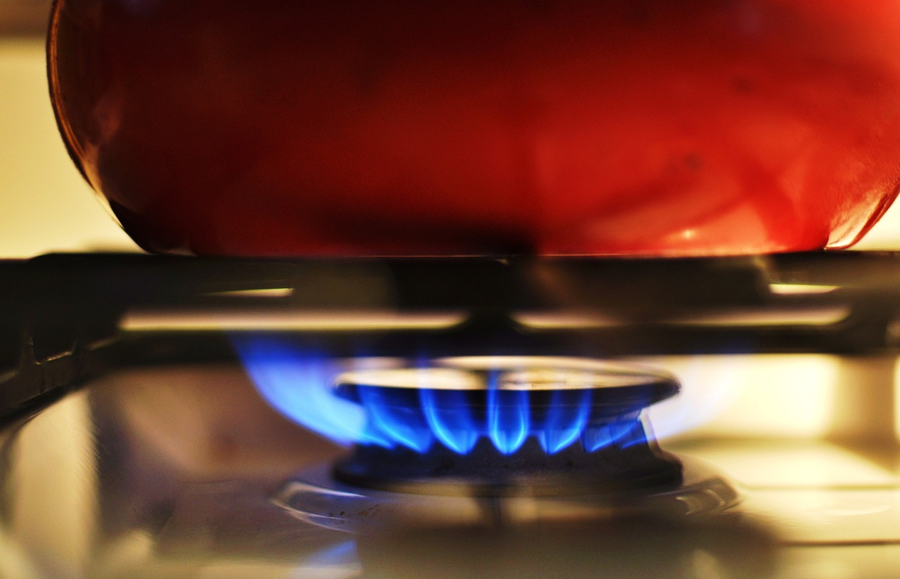 Pot heating on a gas stove