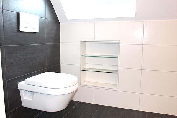 WC und Ablage Bad
