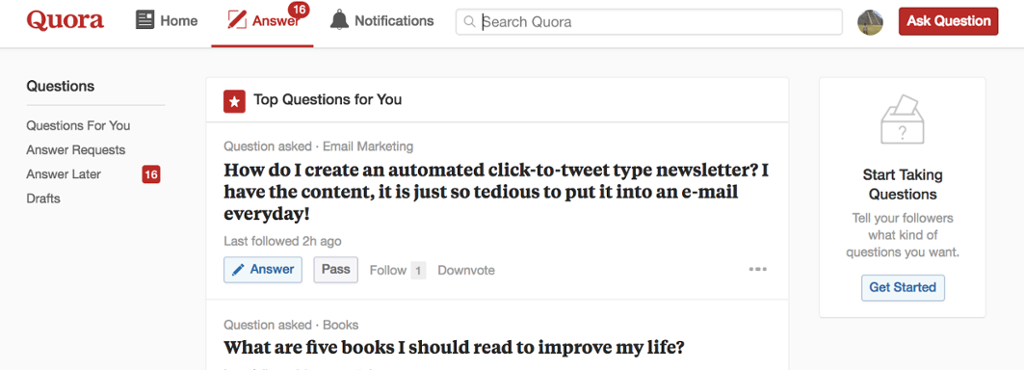quora uses a series of in app messages to keep users engaged. this in app message prompts users to customize thier experience
