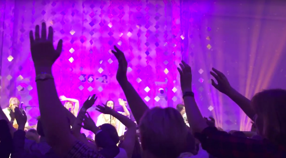 Jubiläumsevent der Kongress- und Eventhalle Trafo in Baden. Themenabend ABBA Golden Night.
