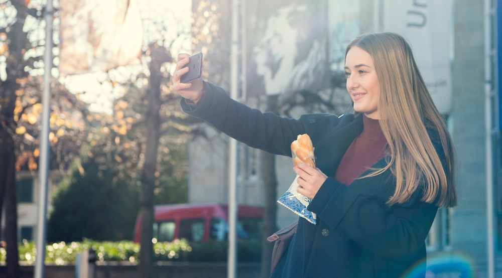 Hero lanciert mit dem Konfizöpfli ein neues Frühstücksgebäck für unterwegs.Videoclips für die Markteinführung auf Social-Media.