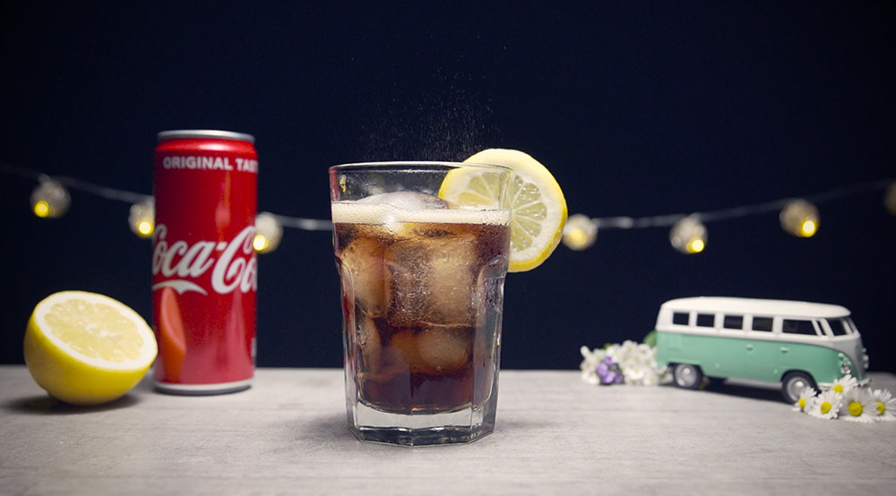 Kurzer Produktshot für die Insta-Story-Challenge #spritzpornchallenge, welche wir mit den classic Coca Cola gemacht haben.