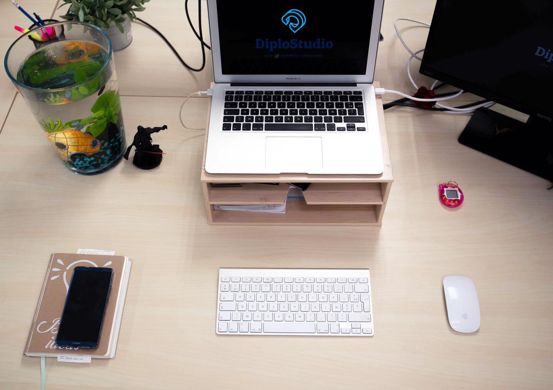 desk jessica