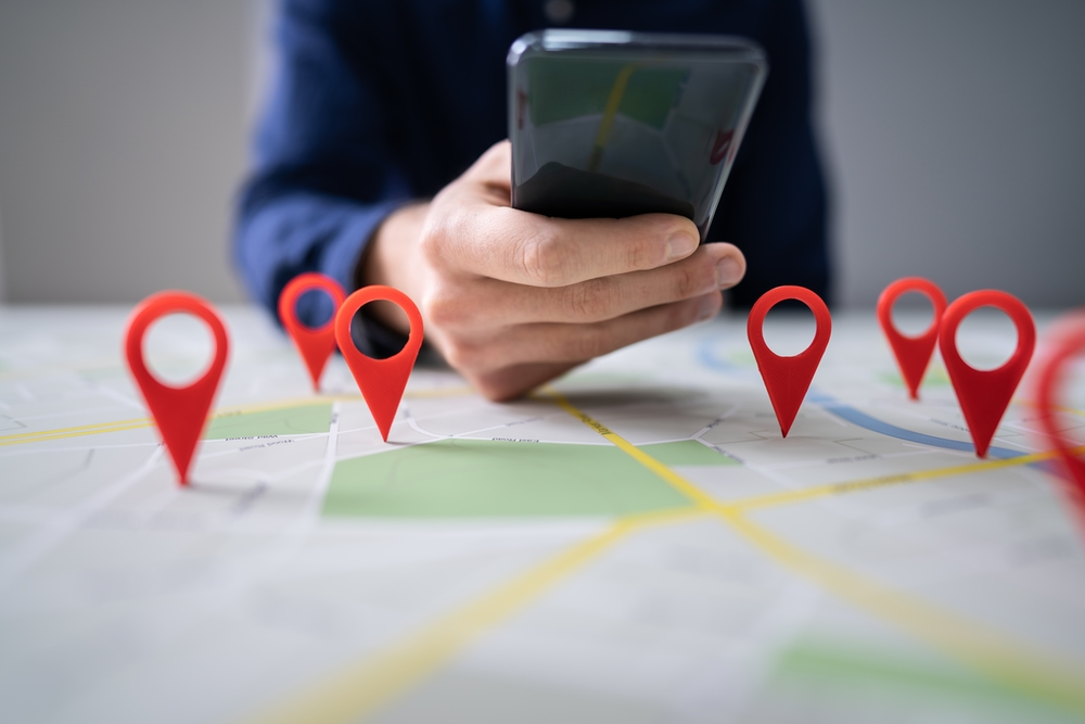 How To Use the 'Find My' App with Siri