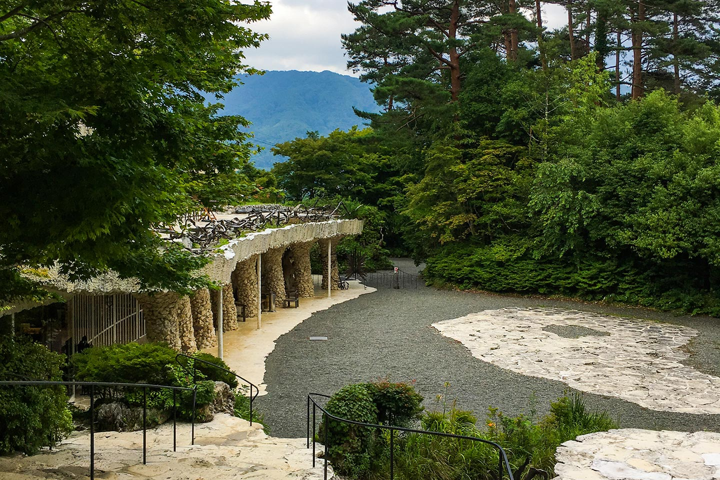 The odd, intriguing, mid-century grounds of the Itchiku Kubota kimono Museum