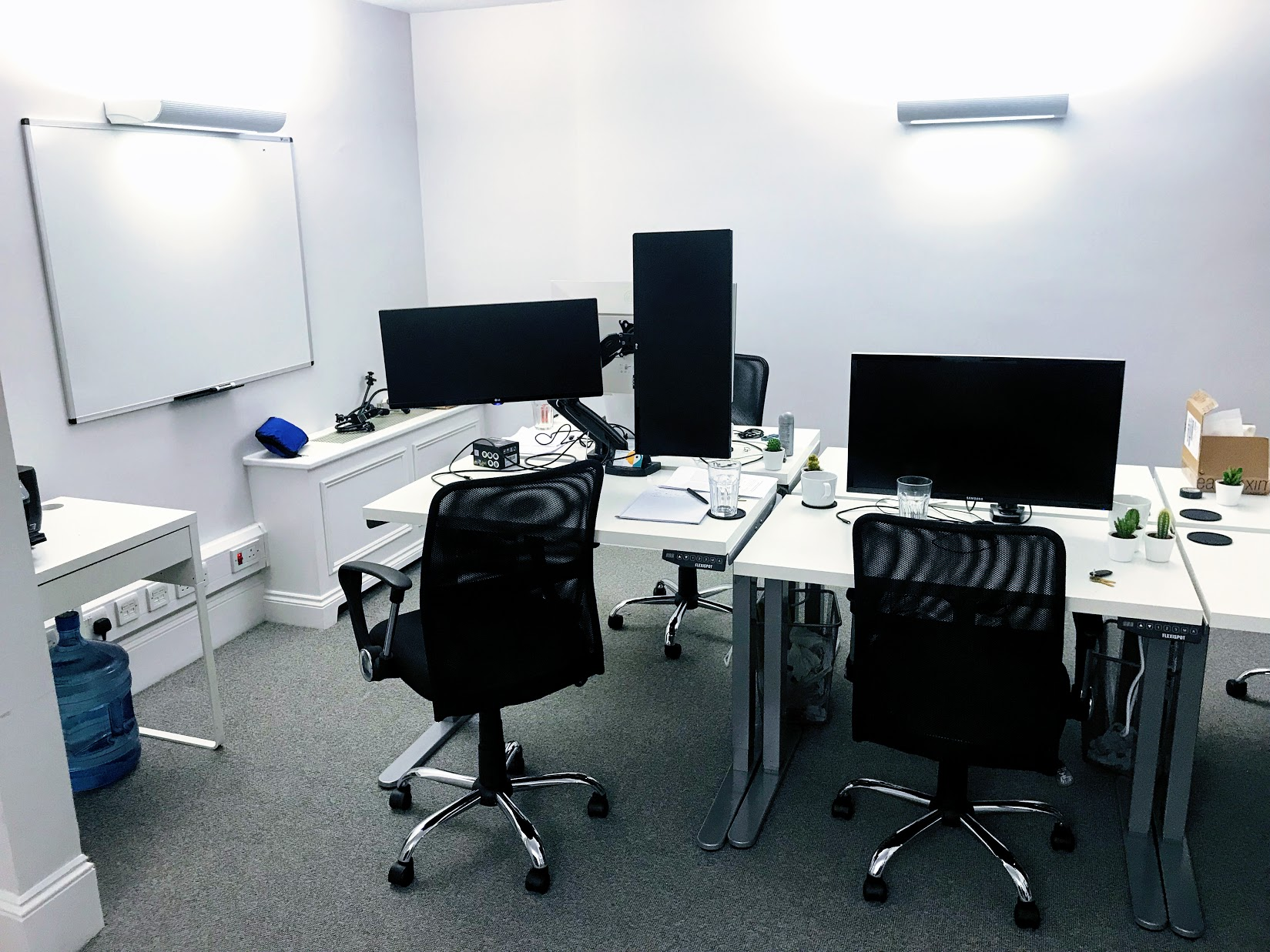 V7 London office
