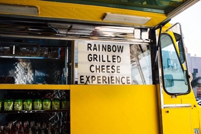 food-truck-wedding-snack