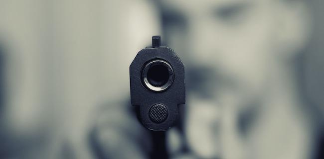 pic of murderer holding gun in Oklahoma