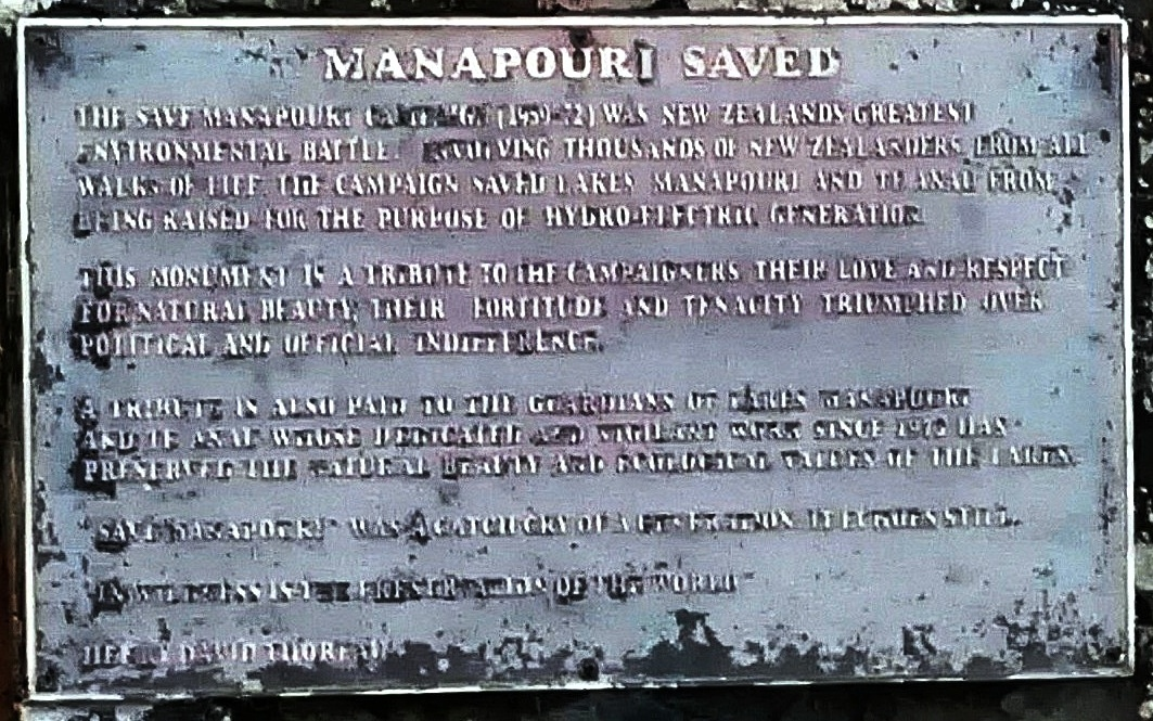 Plaque on the rock saying 'Manapōuri Saved'