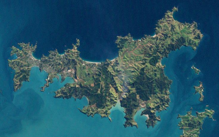 File:Waiheke landsat 7 27 August 2002.JPG