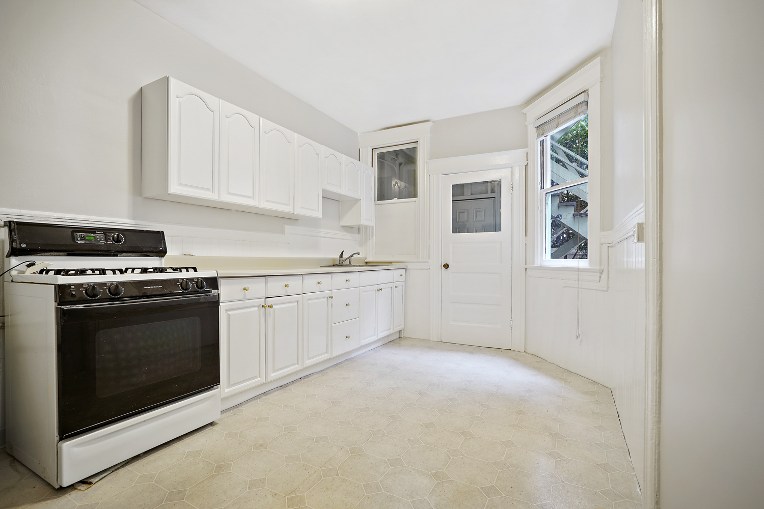 Just Listed: 2040 Taylor Street